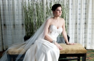 Every Holiday Inn Baltimore-Inner Harbor bride deserves a solo moment to compose her thoughts before the big event.